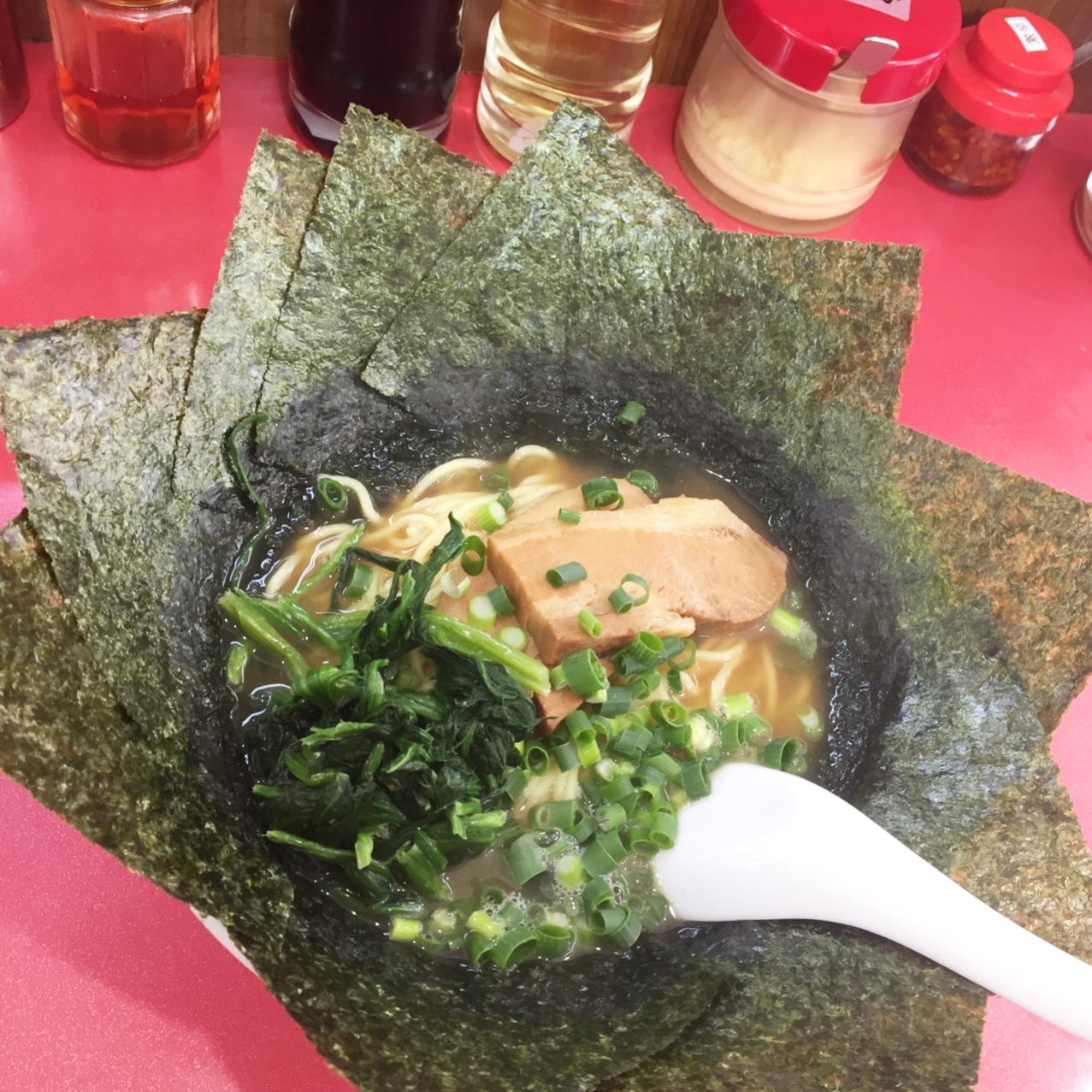 のりだらけのラーメン鹿島家(横浜鶴見)海苔は美味しいだけじゃなかった!