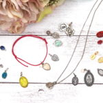 不思議のメダイ&選べる天然石チャーム *コードブレスレット付き